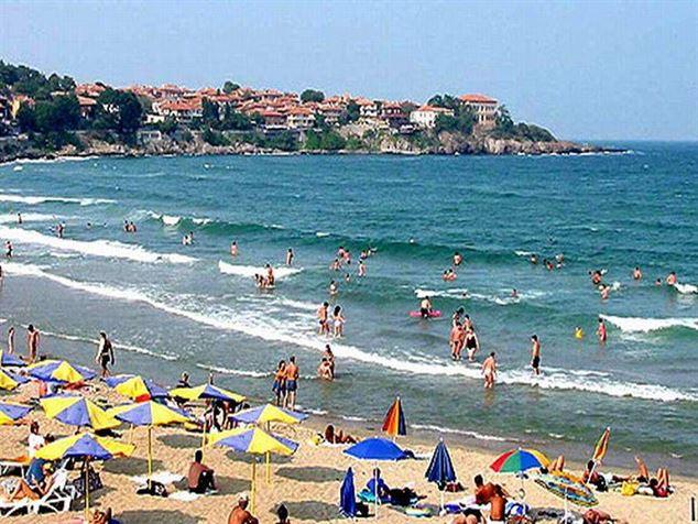 Avertisment MAE – Exista riscul ridicat ca apa marii sa fie infectata cu virusul hepatic A, pe litoralul bulgaresc