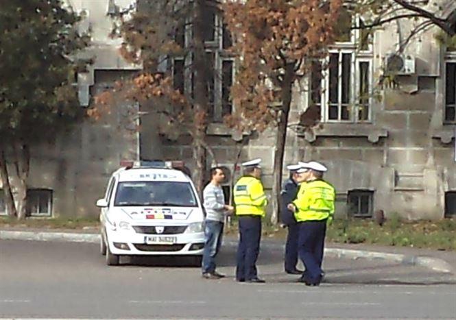 54 de pietoni sancționați de polițiștii de la rutieră