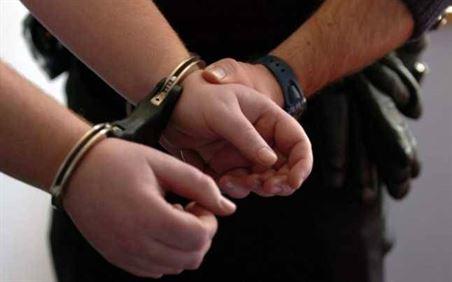 Condamnat pentru operațiuni cu produse susceptibile de a avea efecte pshihoactive depistat de polițiști și încarcerat
