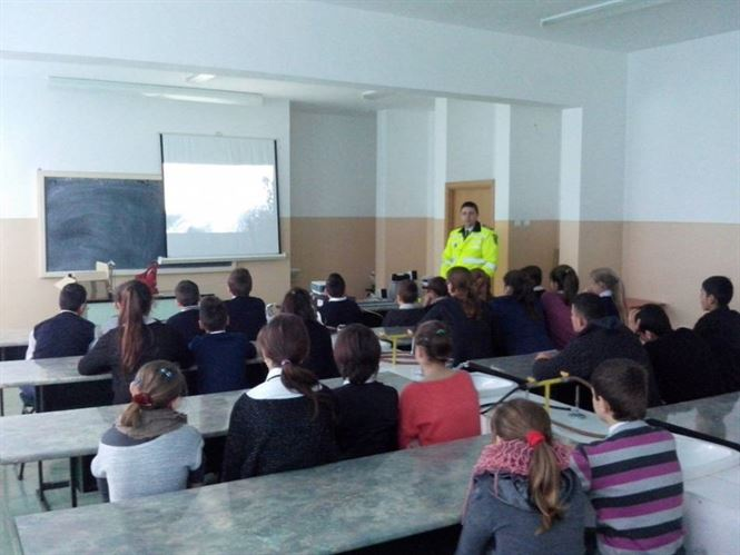 Controale ale politistilor in zona scolilor din Braila