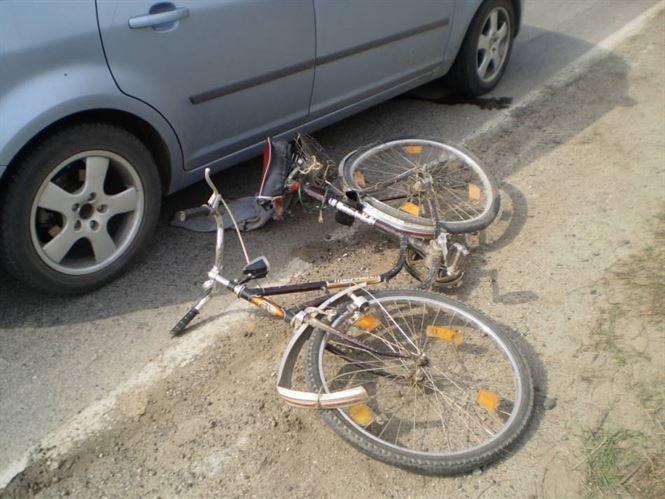 Copil de 11 ani accidentat in timp ce mergea cu bicicleta