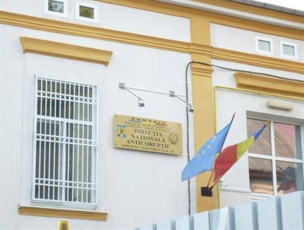 Administratorii unei firme din Ianca trimisi in judecata pentru coruptie