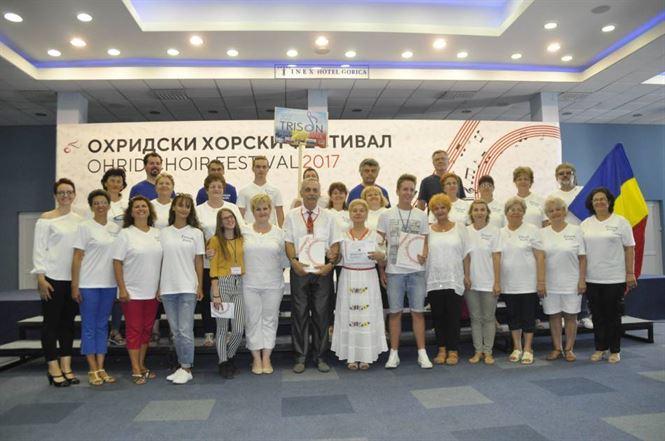 """Corul mixt """"Trison"""" din Braila premiat la un festival international in Macedonia"""