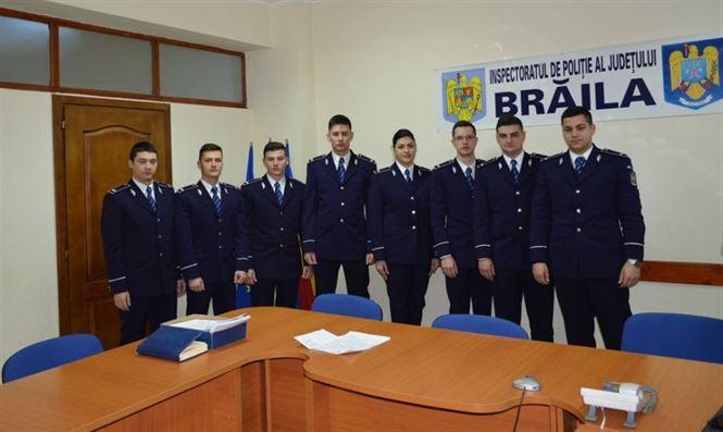 Prima zi de activitate pentru 8 politisti din promotia 2017 repartizati la IPJ Braila