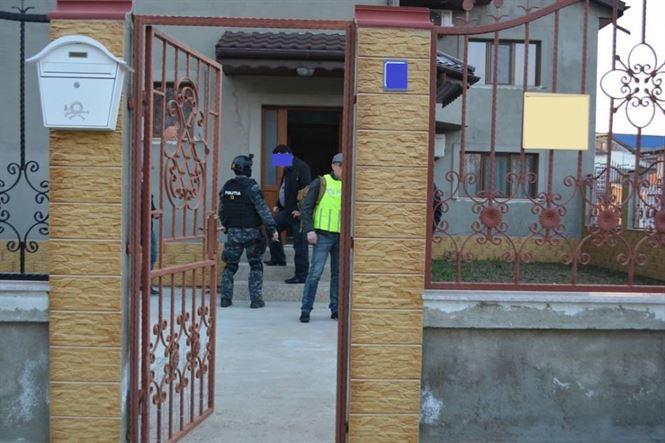 Galerie foto: Perchezitii domiciliare in Braila, pentru destructurarea unui grup infractional