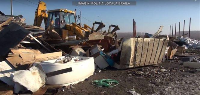 Video: Demolarea unei constructii ilegale pe soseaua Dig
