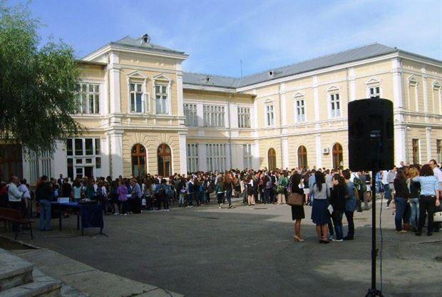 Doar 37 absenți la proba de limba română a Bacalaureatului