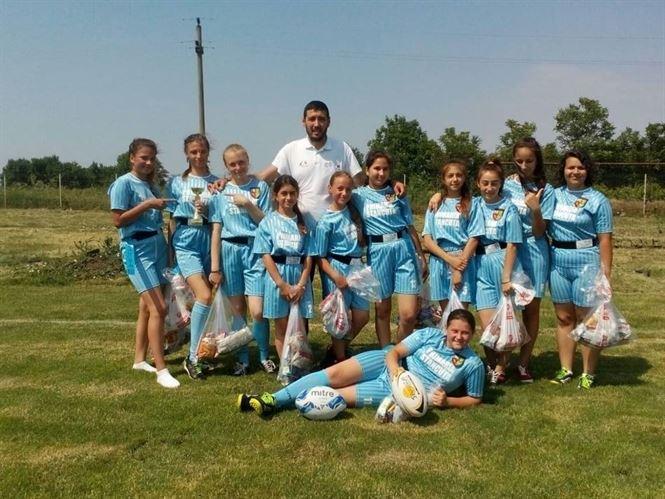 Echipa de fete de la Stancuta a castigat Cupa 1 iunie la rugby-tag