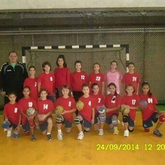 Echipa de handbal junioare IV a LPS Braila participa la un turneu la Bucuresti