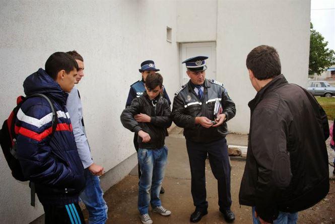 Elevii chiulangii in vizorul politistilor