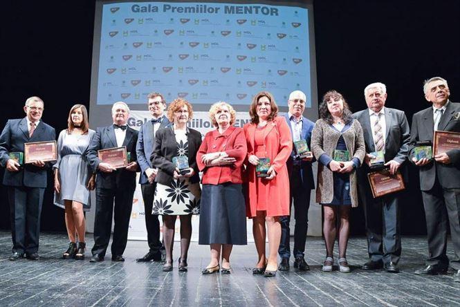 Nominalizeaza un profesor pentru Premiul Mentor pentru excelenta in educatie
