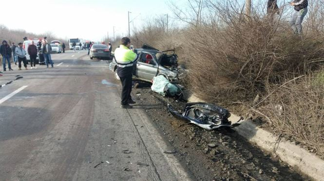 Update ora 15.50: Accident cu cinci victime la intrare in Baldovinesti