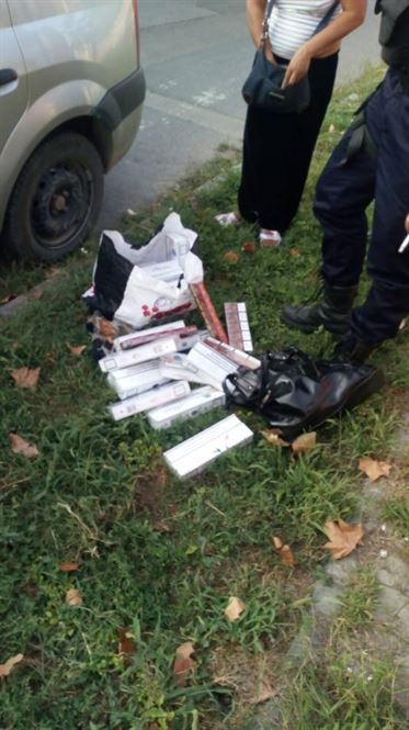 235 de pachete de tigari de contrabanda, descoperite de jandarmi in bagajele unei brailence