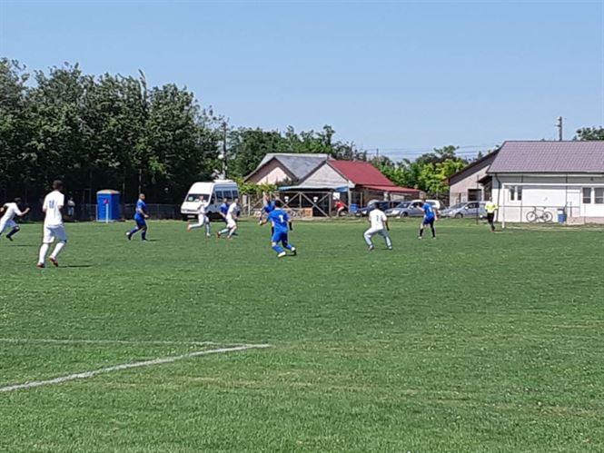 Victorii pe linie ale gazdelor în prima etapă a turneului play-off al Ligii a 5-a