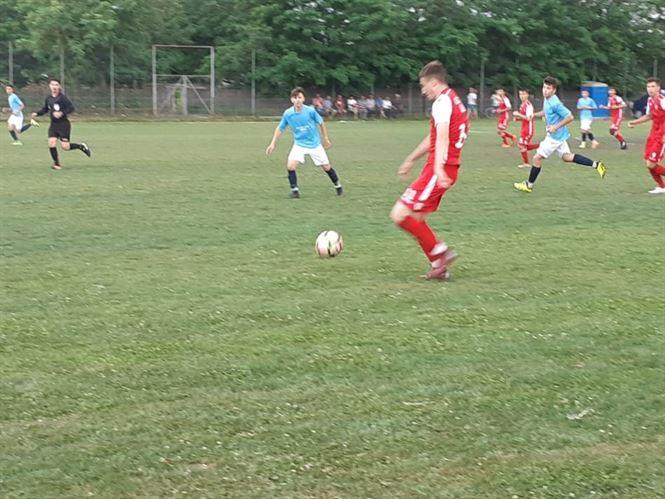Victorii la scor în etapa a IV-a a turneului semifinal zona 2 a juniorilor A1