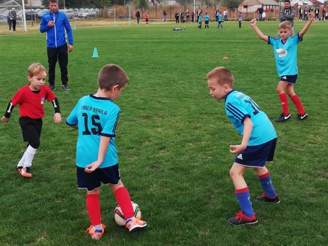 Interliga la fotbal pentru copii