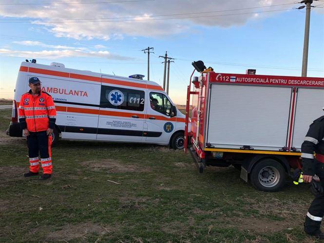 Șofer băut a căzut cu mașina într-un canal de irigații