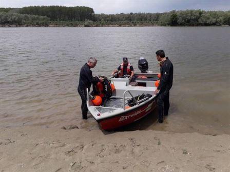 Bărbatul înecat duminică seara a fost găsit plutind pe Dunăre