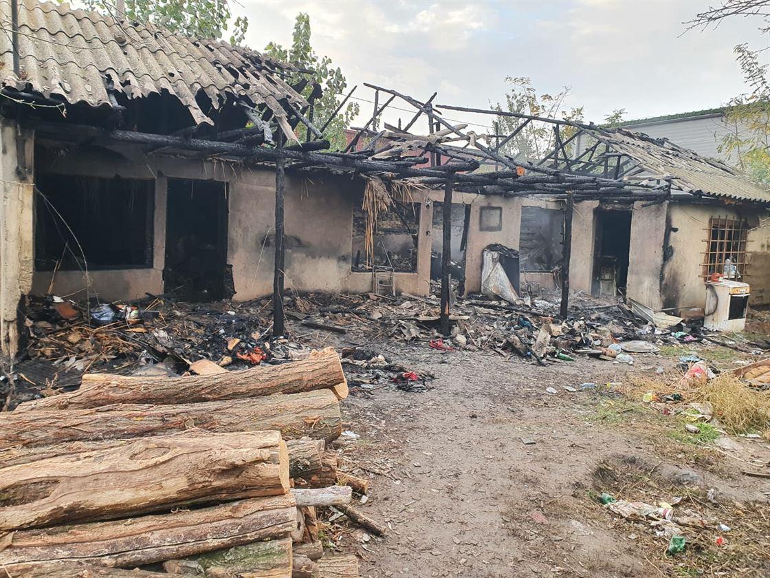 Bărbat de 37 de ani găsit carbonizat în urma unui incendiu în orașul Însurăței