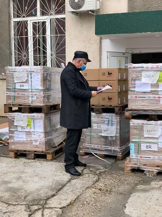 """Primele tablete din programul """"Școala de acasă"""" au sosit astăzi la Brăila"""