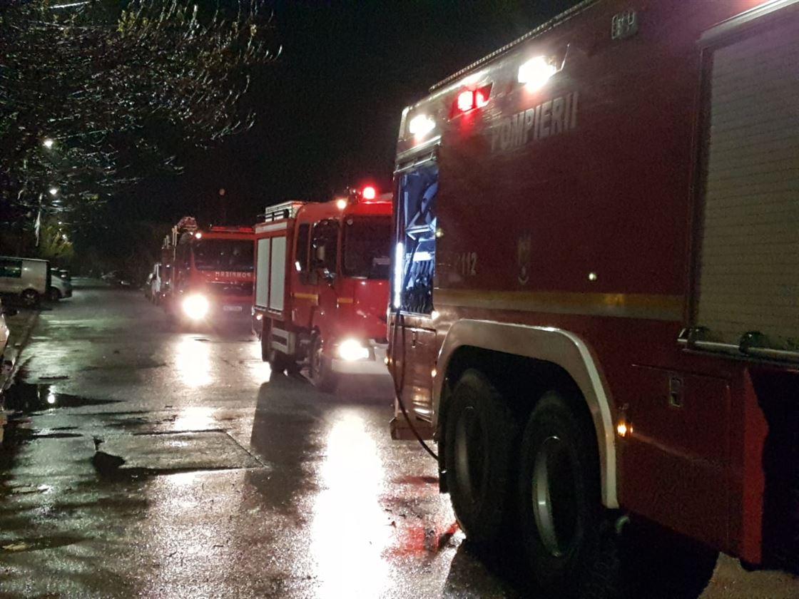 Incendiu provocat de un scurt circuit la instalația electrică