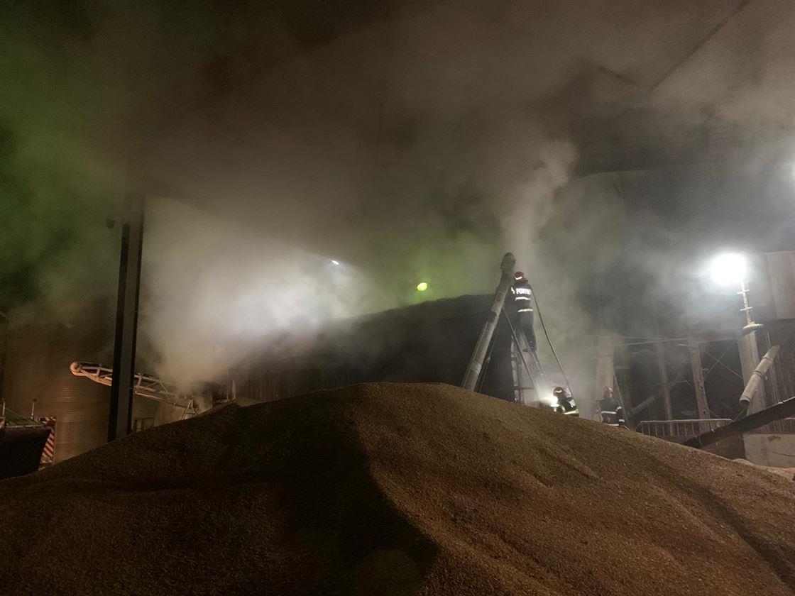 Incendiu la un uscător de cereale de la o fermă din Insula Mare a Brăilei
