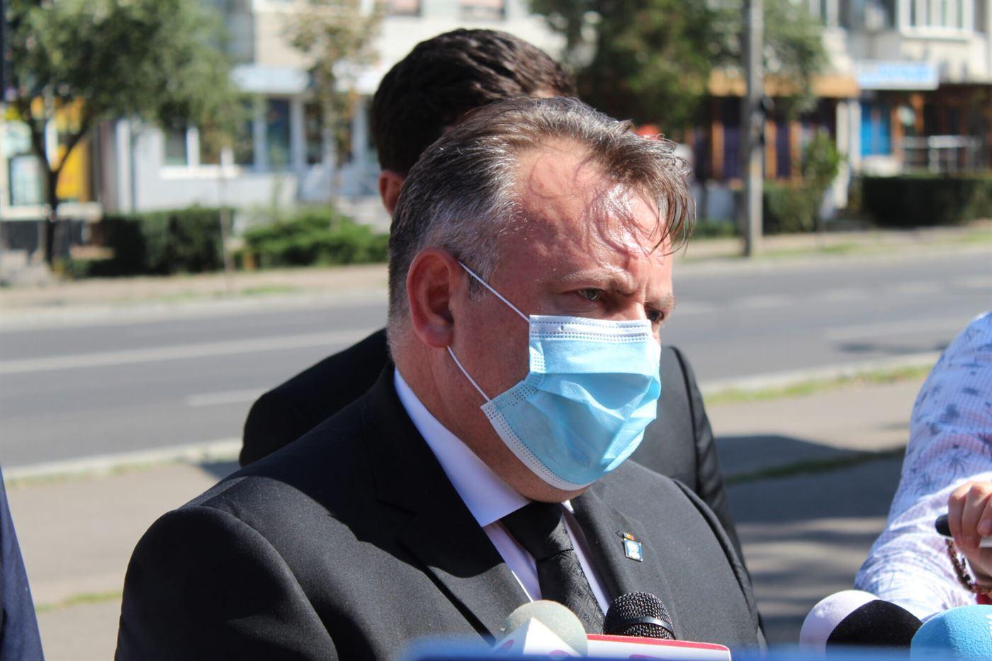 Ministrul Tătaru: Doze de vaccin antigripal vor fi distribuite gratuit și pentru cadrele didactice