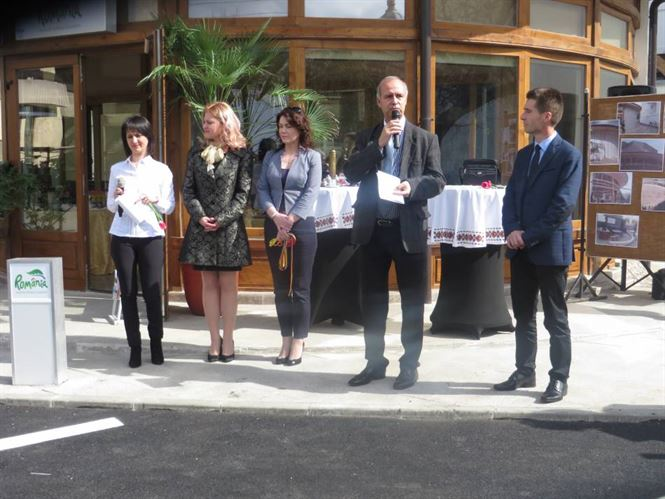 Multe oficialitati, putini curiosi la inaugurarea Centrul de Informare si Promovare Turistica