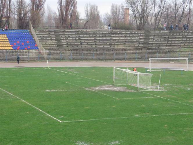 Eforturile lui Cirligea de a sustine echipa de fotbal se lovesc de starea proasta a stadionului