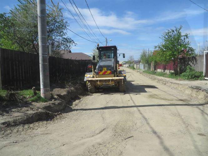 Galerie foto+video: Aproape 11 km de strazi din cartierul Chercea vor fi astaflate pana la inceputul lunii iunie