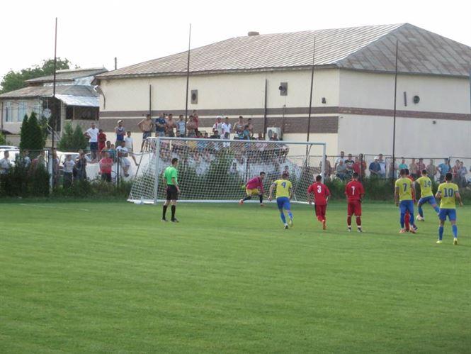 Sportul Chiscani a remizat cu Soimii Topolog in turul barajului de promovare in Liga a 3-a