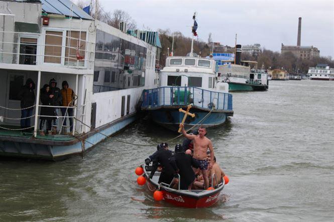 Brăilenii au asistat la Slujba de Bobotează pe Faleza Dunării