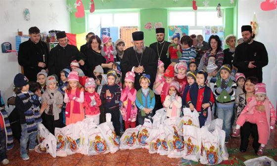 """Serbare dedicata Sf. Ierarh Nicolae de copiii de la Gradinita """"Familia"""""""