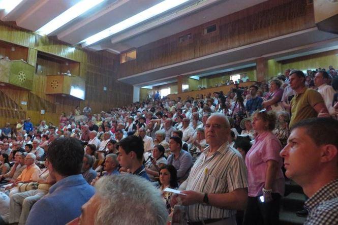 Aproape 500 de ACL-isti l-au asteptat pe Klaus Iohannis la Braila