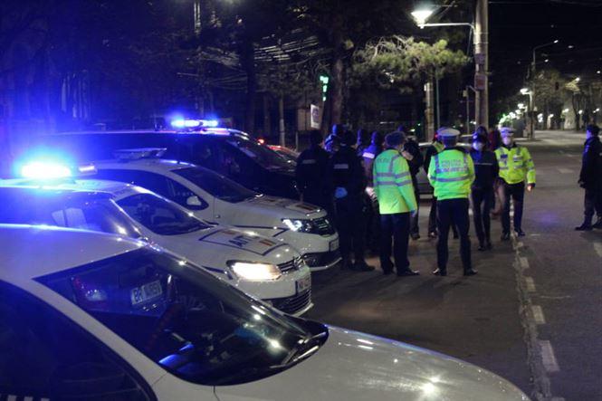 Galerie foto+video: Polițiștii și jandarmii verifică respectarea prevederilor ordonanței militare