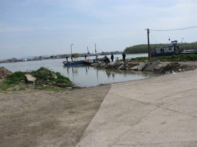 Verificare diguri de la Dunare, in contextul avertizarii hidrologice