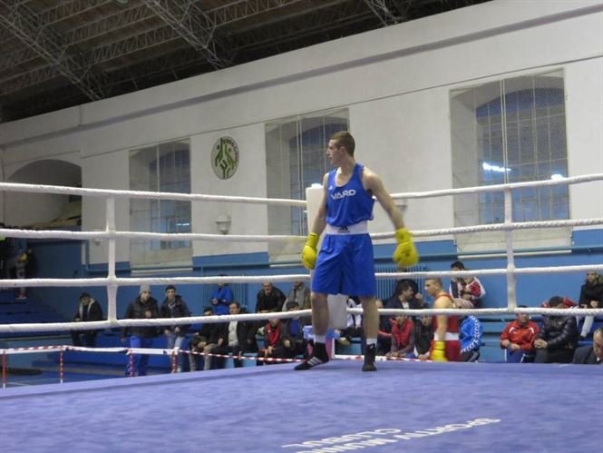 Vineri, de la ora 16.00, sunt programate semifinalele nationalelor de box pentru tineret U 22