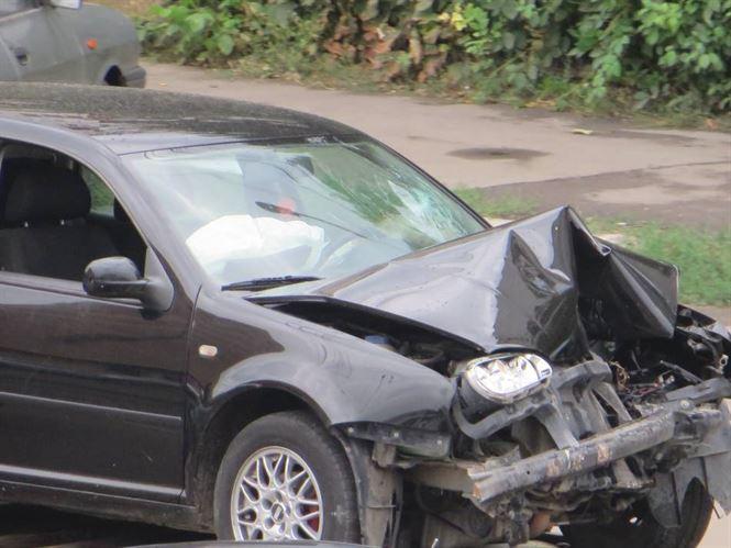 Tamponare cu o victimă la intersecția străzilor Nicopole cu Cezar Petrescu