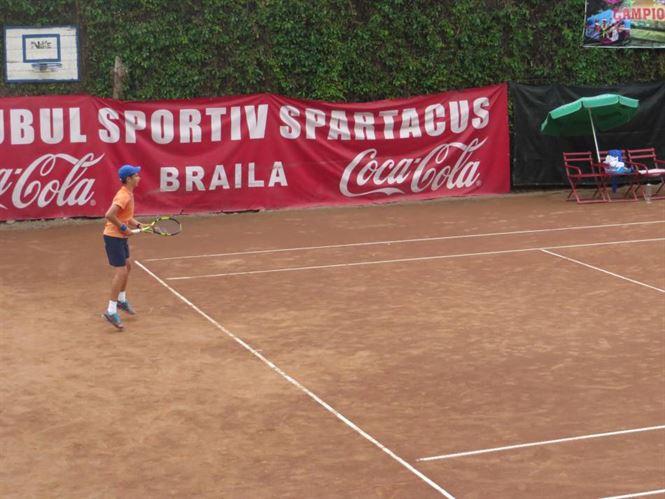 Surprize in finalele campionatului de tenis U 12 de la Braila