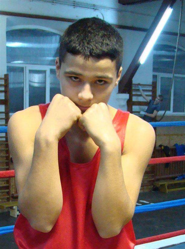 Ionut Bucurica va boxa pentru medalia de aur