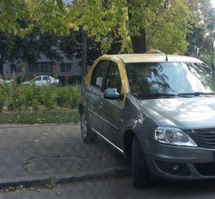 Taximetrist acuzat că i-a furat telefonul mobil unui client