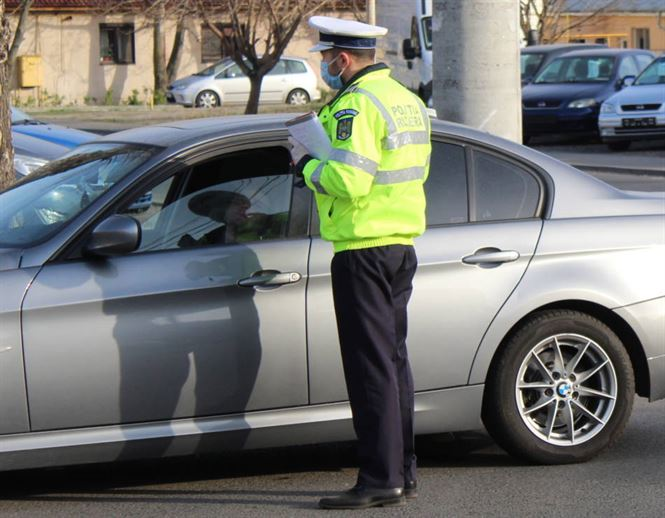 La nivel național, polițiștii au întocmit ieri 12 dosare penale privind zădărnicirea combaterii bolilor