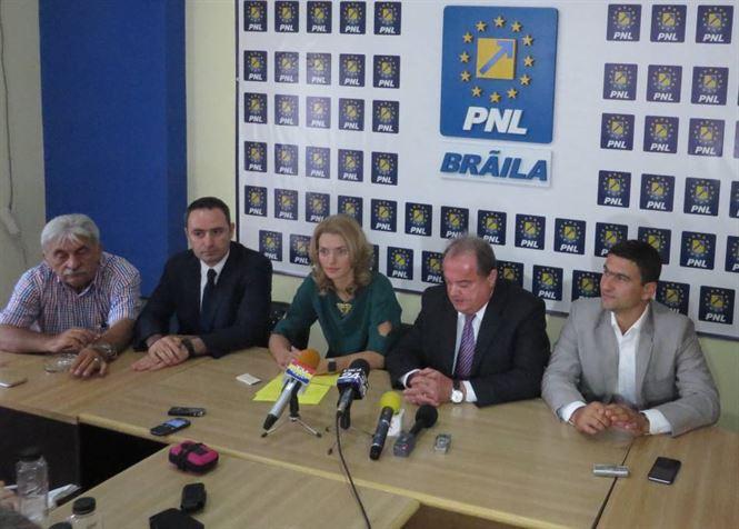 Liberalii le cer PSD-istilor sa spuna daca-l mai sustin pe Victor Ponta
