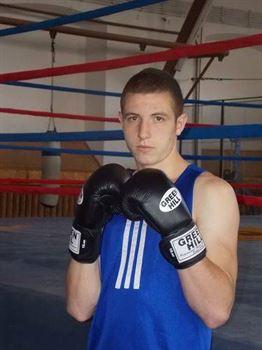 Marian Pita medaliat cu bronz la campionatele nationale de box pentru seniori