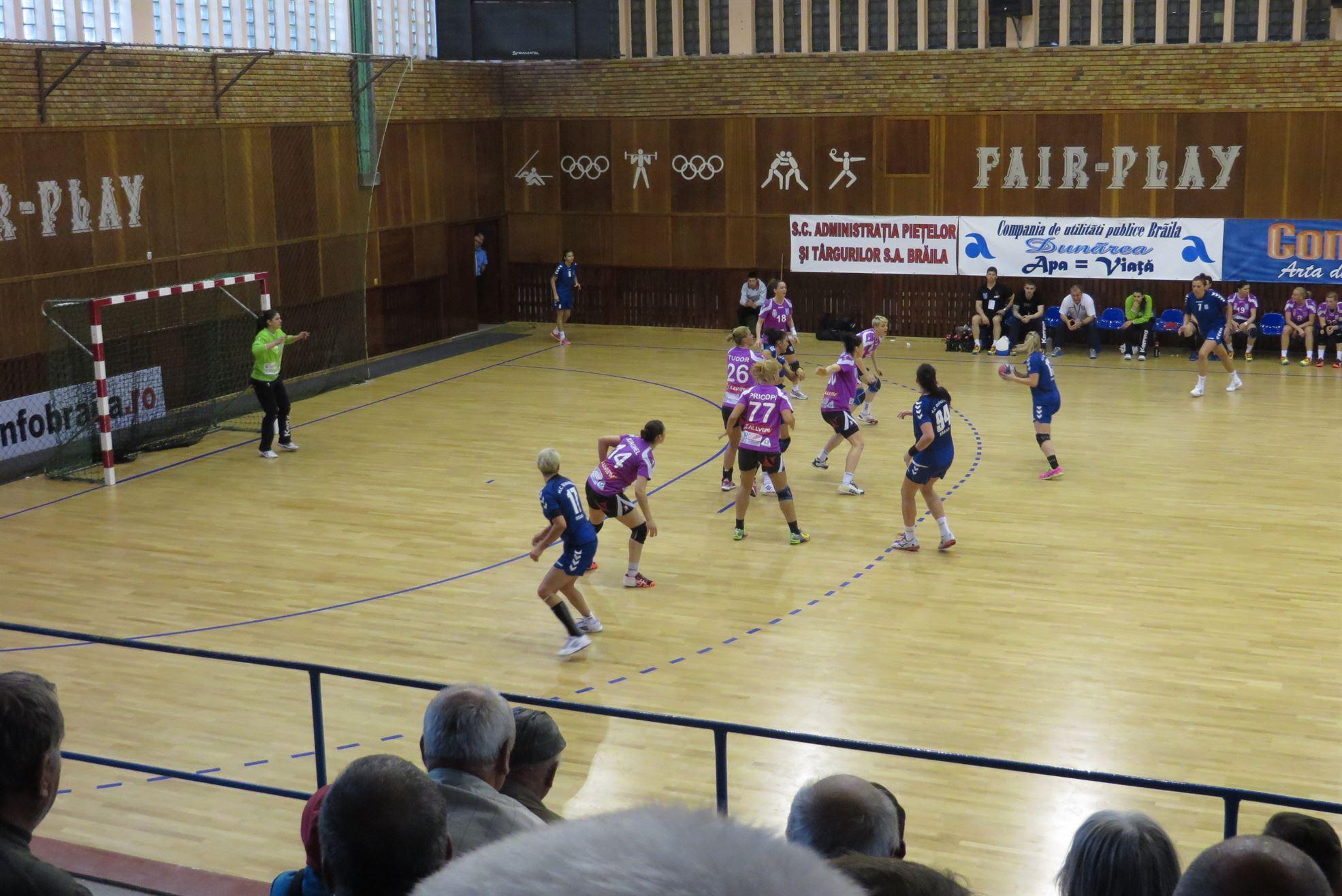 Meciuri decisive pentru clasamentul Ligii feminine de handbal