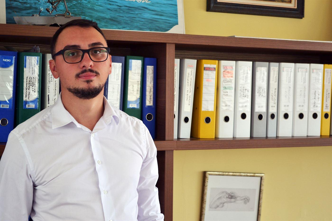 Cu un masterat în dezvoltare regională, tânărul Mihai Pascale e hotărât să transforme cartierele Brăilei