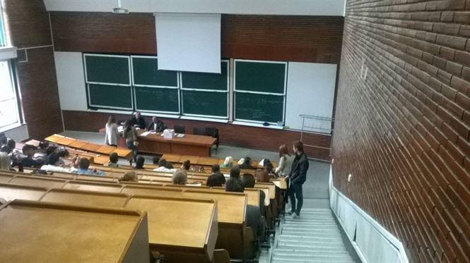 """Minivacanta de alegeri, """"cadou"""" electoral pentru studenți"""