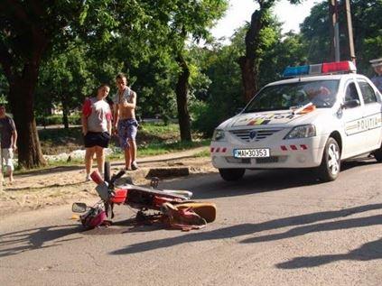 Mopedistii, pericol pe drumurile publice