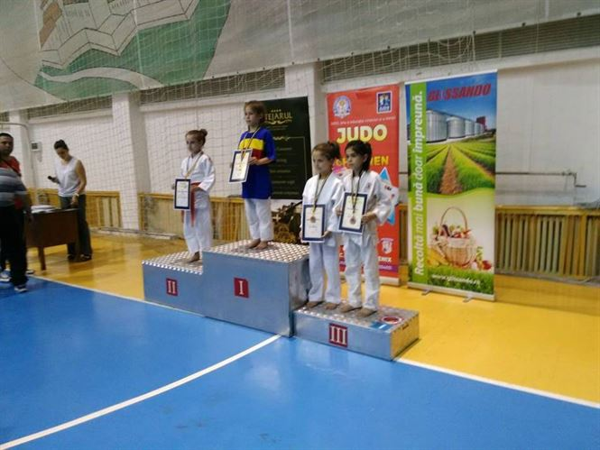 O medalie de bronz la nationalele de judo U10 pentru sportivii braileni