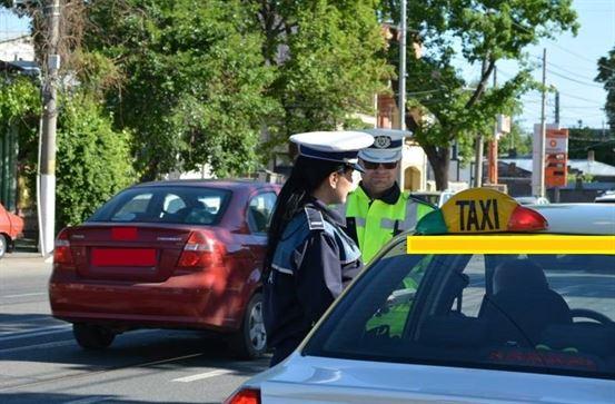 Obiecte periculoase găsite de polițiști într-un taxi